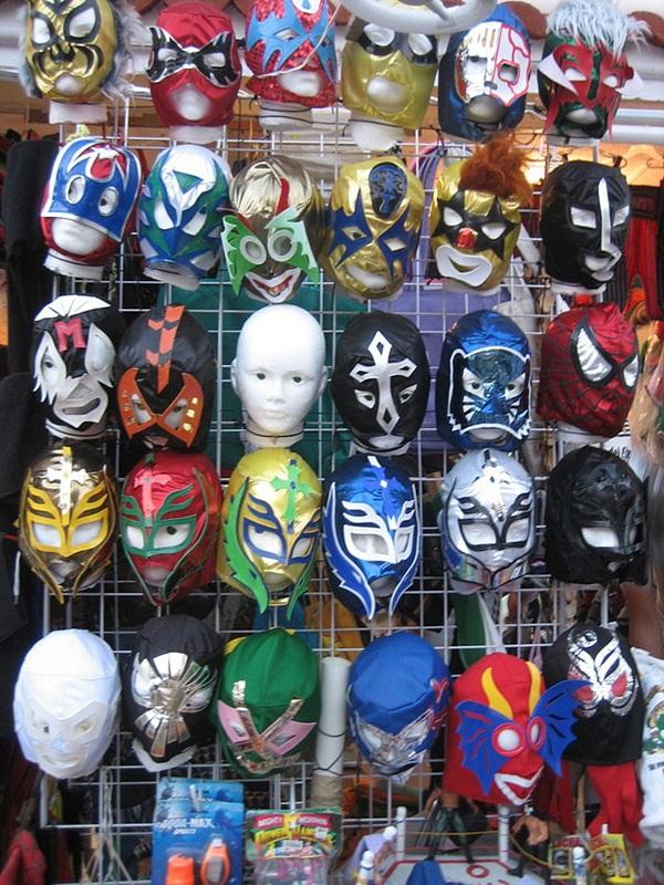 640px-Luchador-Masks