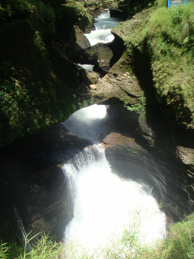pokhara-cascada1