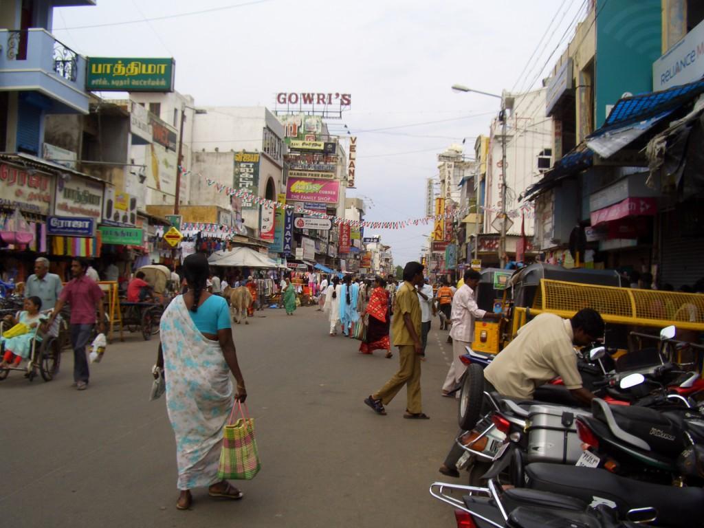 Strada duminica in Pondi