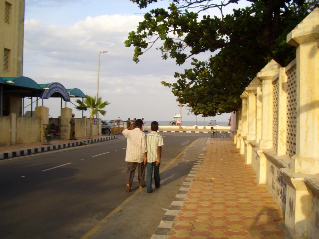Strada pondi spre mare