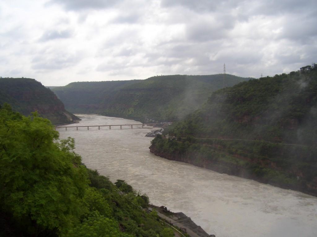 raul krishna, printre dealurile sfinte