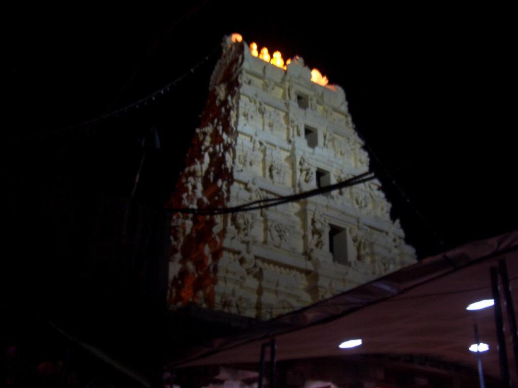 templu noaptea