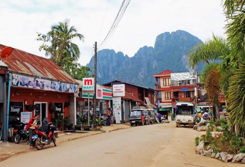streets-of-vang-vieng-laos