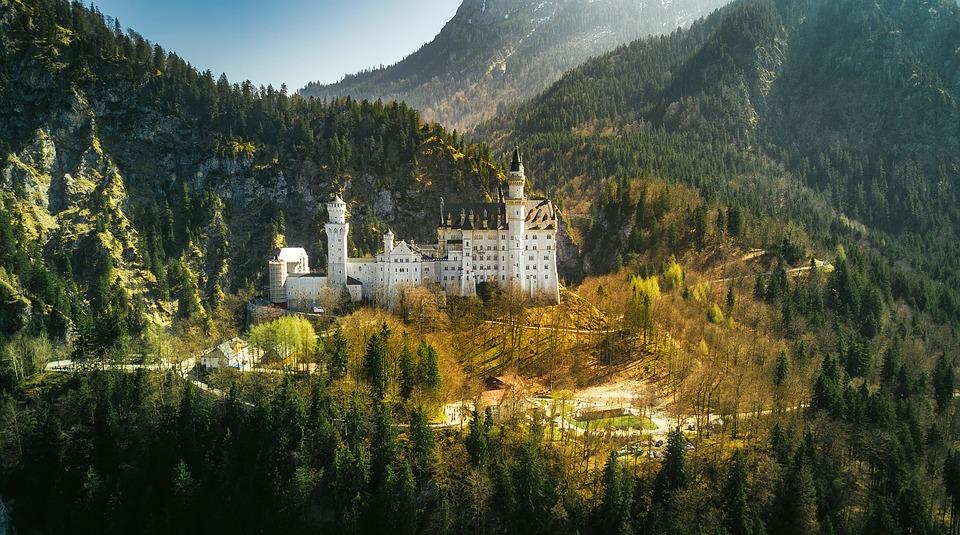 neuschwanstein-castle-2243447_960_720