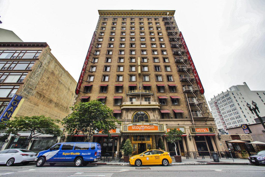 la-fi-cecil-hotel-20160601-snap