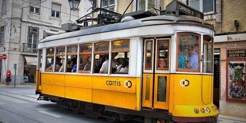 p-800px-Tram-28--Lisbon--5282021178-_54_990x660
