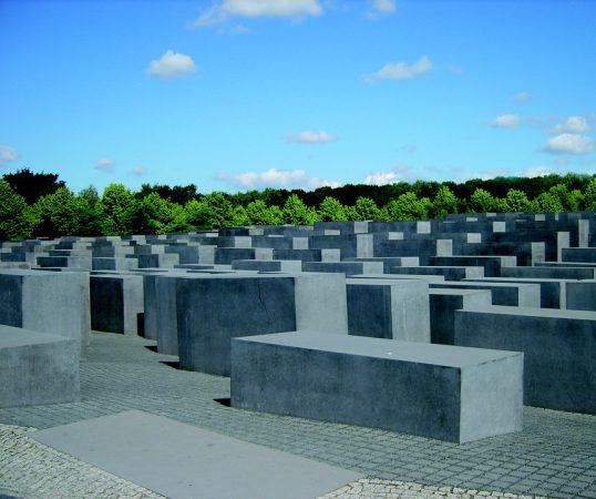 holocaust-memorial-324677_960_720