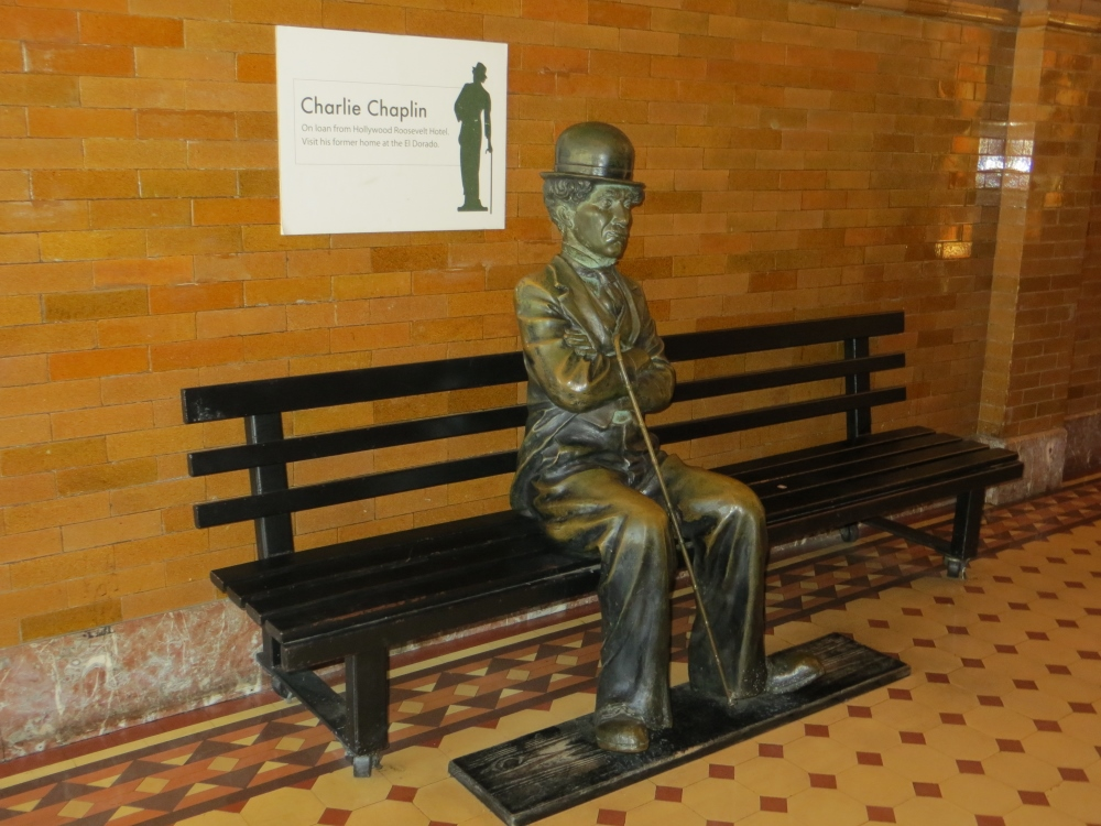 charlie-chaplin-statue-bradbury-building-1000x750